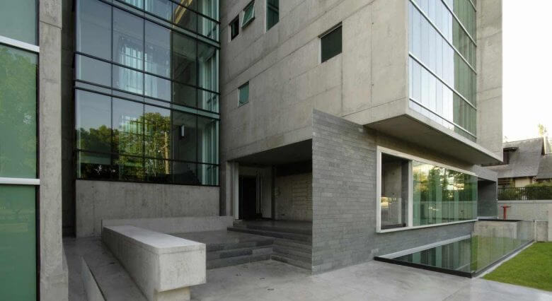 Inmobiliaria y Constructora Avellaneda